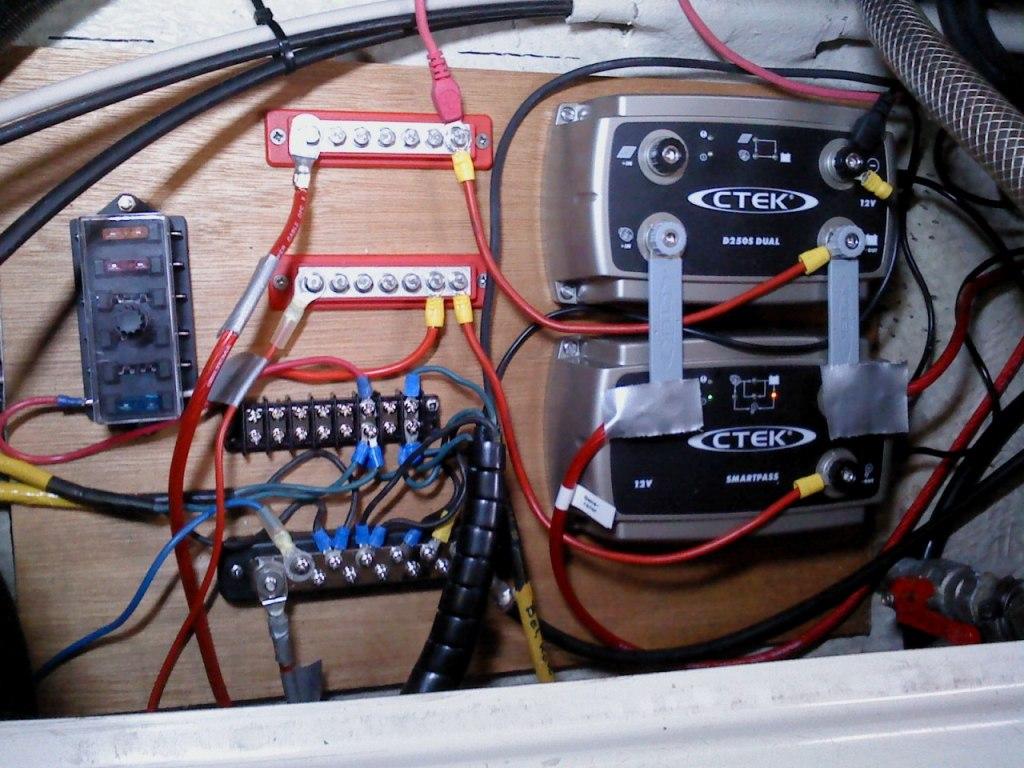 Hqdefault besides Battery Wiring Diagram Multi Batt further V Seriekoppling likewise Chargersetup  e A Fe F Dc Dd C moreover D Cb S Chassis W Xl Motor Anyone Try Tlr Wiring. on 12 volt parallel battery wiring diagram