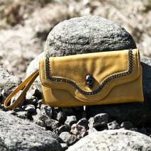 Skull Clutch Yellow
