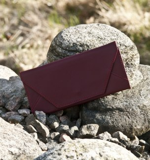Clutch Dark Red