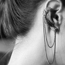 Ear Cuff Feather Grey