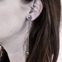 Skull Link Earrings Grey